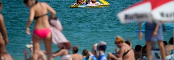 Imaginea articolului Încă o victimă pe litoral: Trupul unei femei a fost adus de valuri la mal