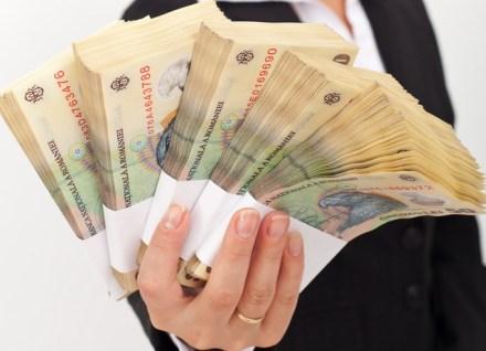 Salariul unei angajate de la Aeroporturi bate profiturile Rompetrol, Metro, Lidl, Electrica sau Mol