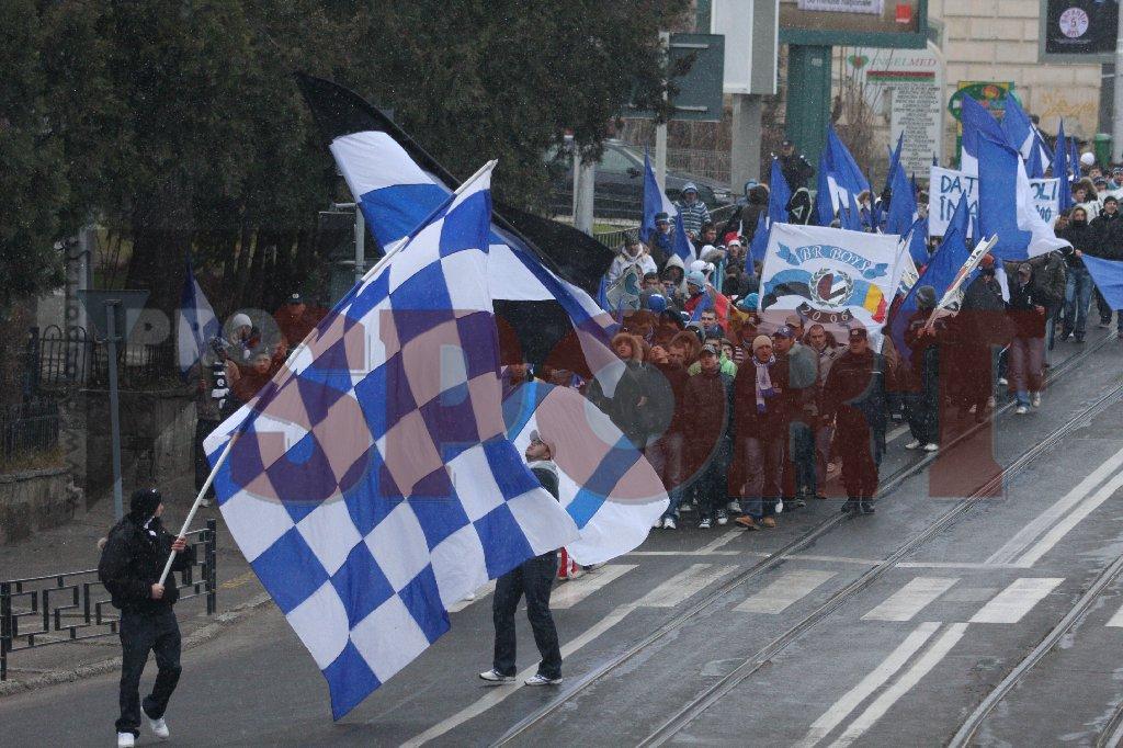 mars suporteri poli iasi protest