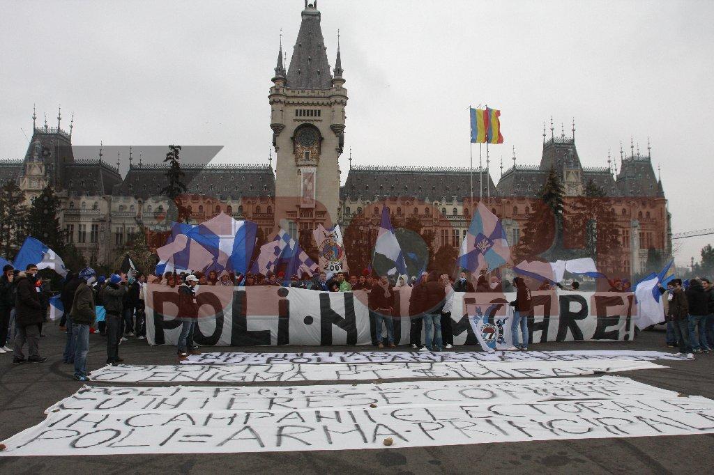 poli iasi suporteri protest palatul culturii