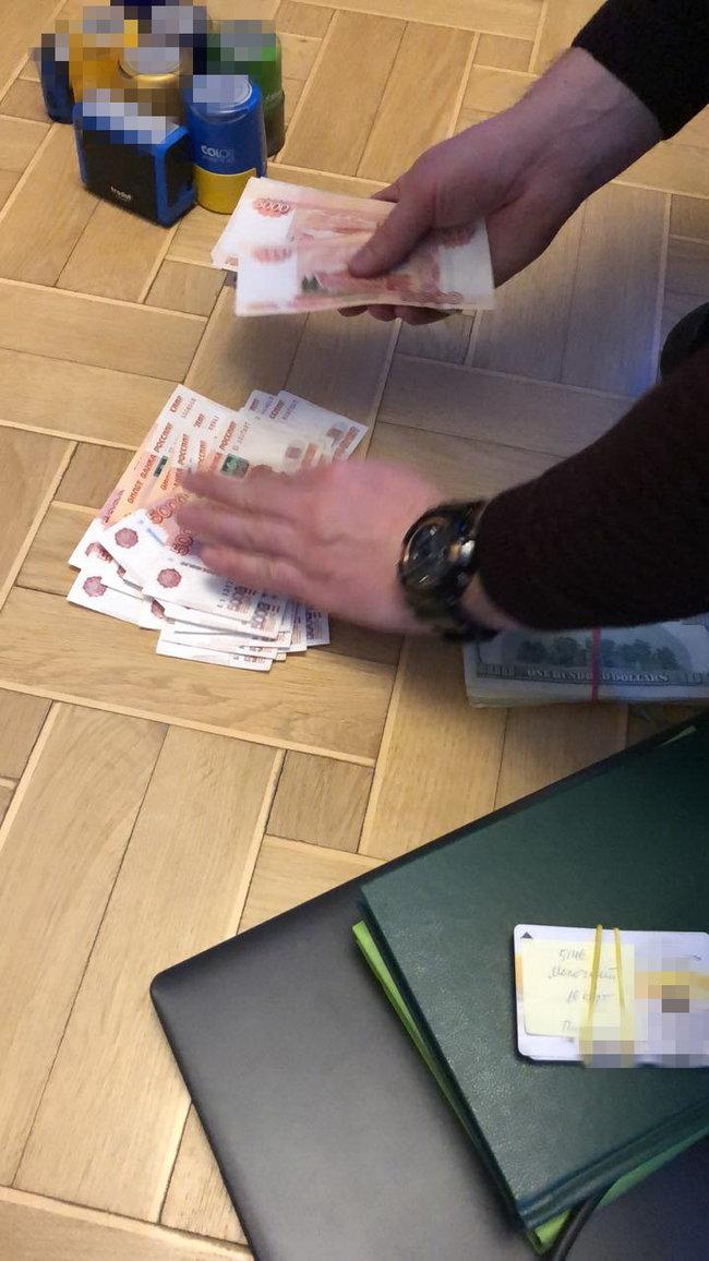 В Киеве задержан бизнесмен, обеспечивавший лекарствами террористов ДНР, - СБУ 04