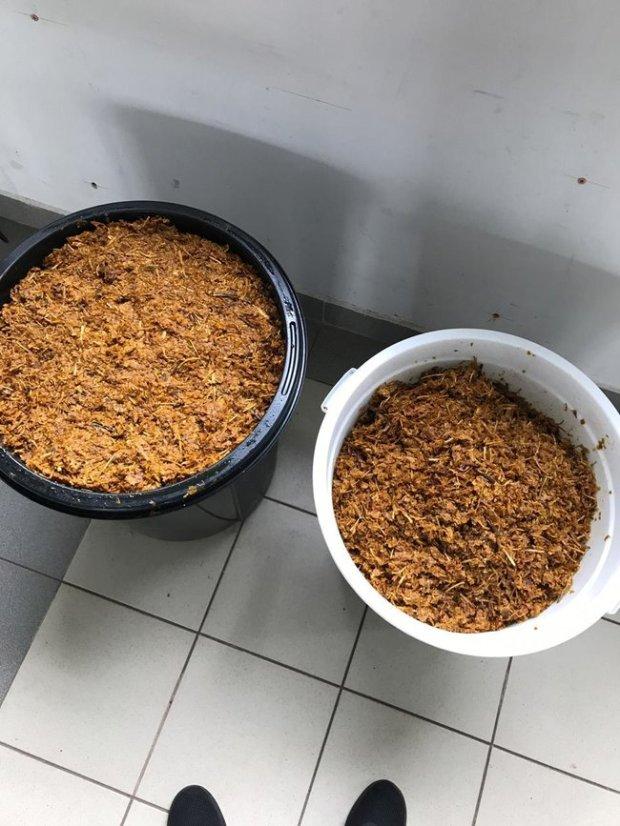 Незаконне масове виробництво тютюну для кальяну ліквідовано на Київщині: вилучено підакцизної продукції майже на 13 млн грн 15