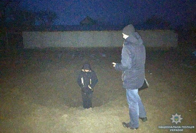 Последствия обстрела наемниками РФ жилого сектора Новотроицкого 01