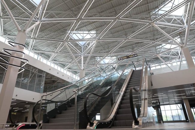 Новый терминал аэропорта Запорожья достроен, - мэр Буряк 06