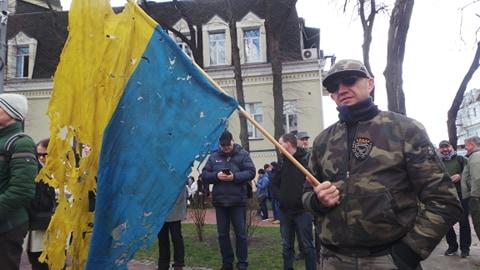 Добровольці зібралися в Києві на Марш патріотів: Ані кроку назад! Припинити політику капітуляції! 05