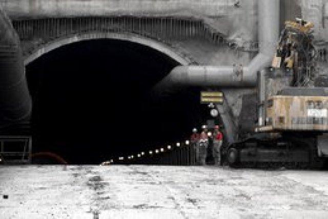 Новый Бескидский тоннель будет сдан до конца мая, – Гройсман