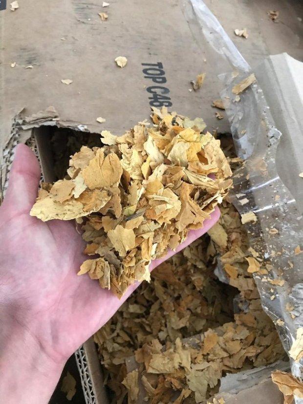 Незаконне масове виробництво тютюну для кальяну ліквідовано на Київщині: вилучено підакцизної продукції майже на 13 млн грн 03