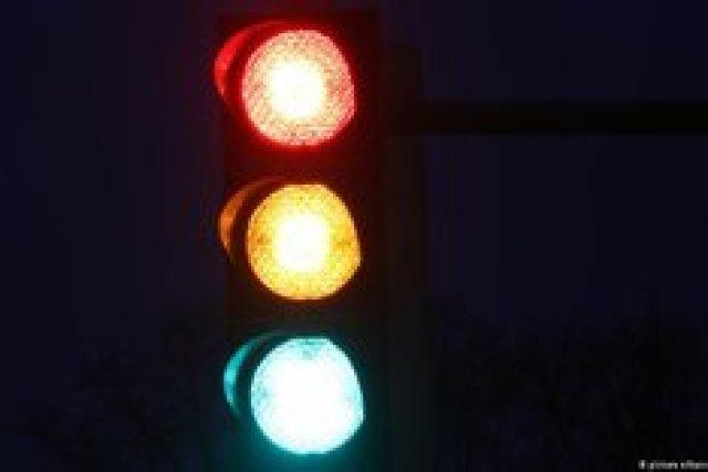 """Глава """"Укравтодора"""" против отмены желтого сигнала светофора"""