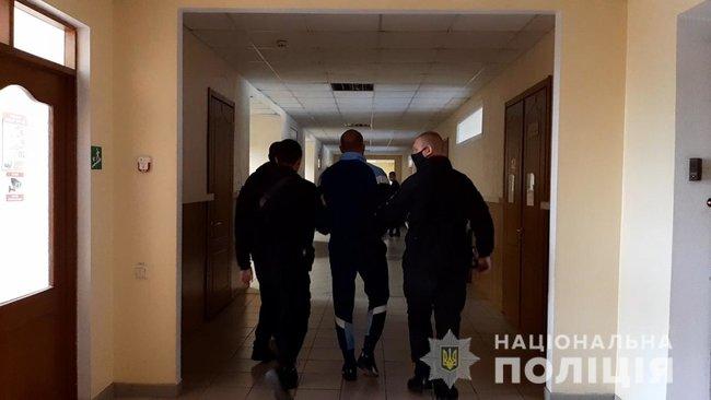 Одесситы выкрали киевлянина и требовали у него более $400 тыс., их задержали, - полиция 02