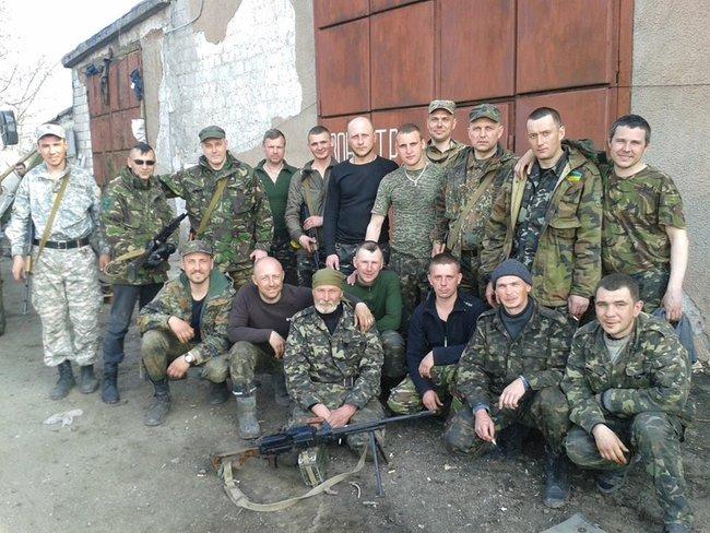 Офіцер ЗСУ, актор Олег Шульга: Страшно було йти у батальйон, який щойно вийшов з оточення - і повернулася лише половина. На одній чаші терезів була гідність, на іншій - страх 03