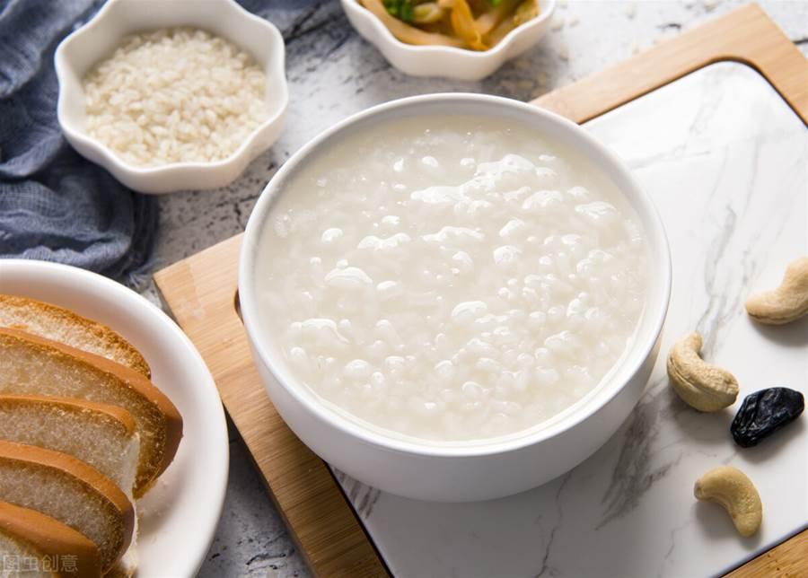 煮粥直接下鍋就錯了。大廚教你4個秘訣。輕鬆煮出「軟綿滑」白粥