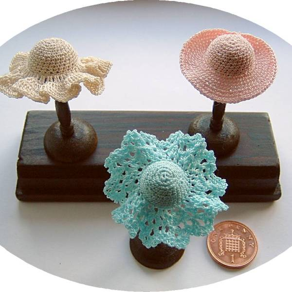 miniature crochet hats