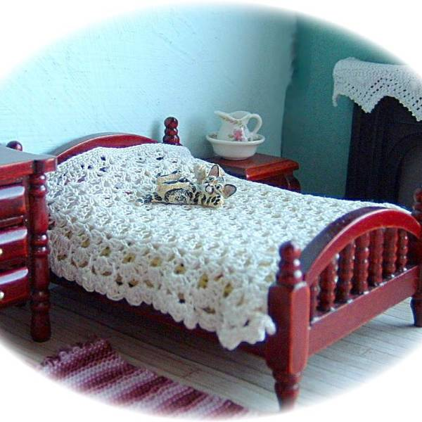 pattern for miniature bedspread