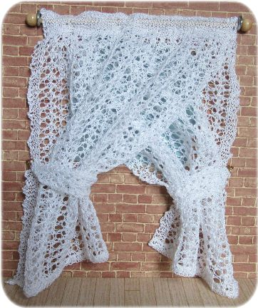Pattern for miniature lace curtains
