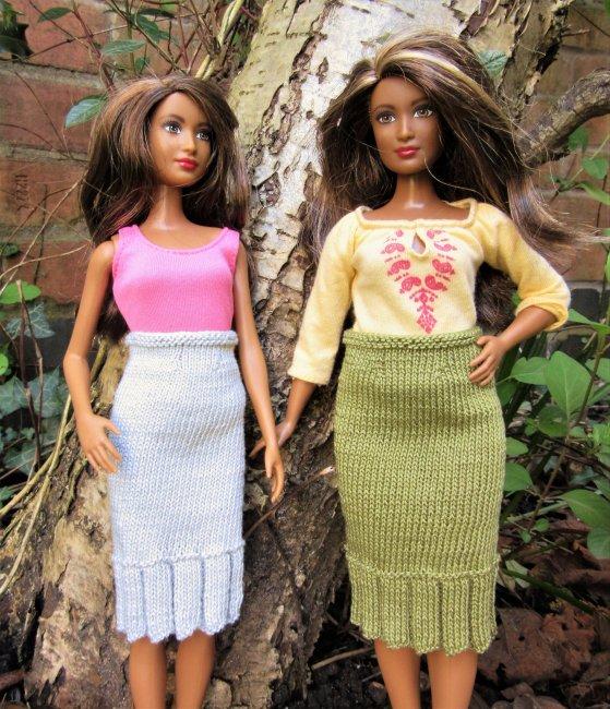 Miniature knitted skirt