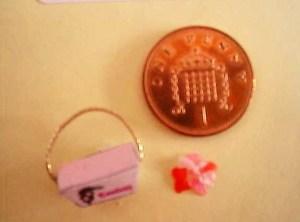 Miniature confetti box