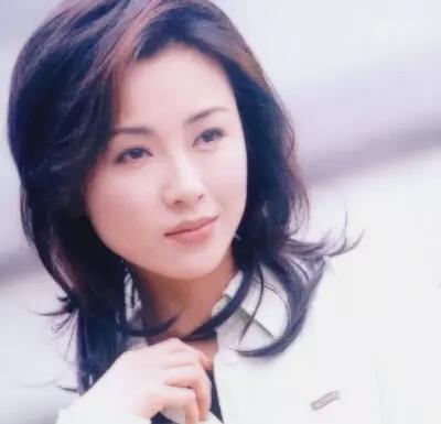 49歲袁潔瑩兩次被富商拋棄。瘦到僅有35公斤!22年後近照曝光。網友:雨過天晴!