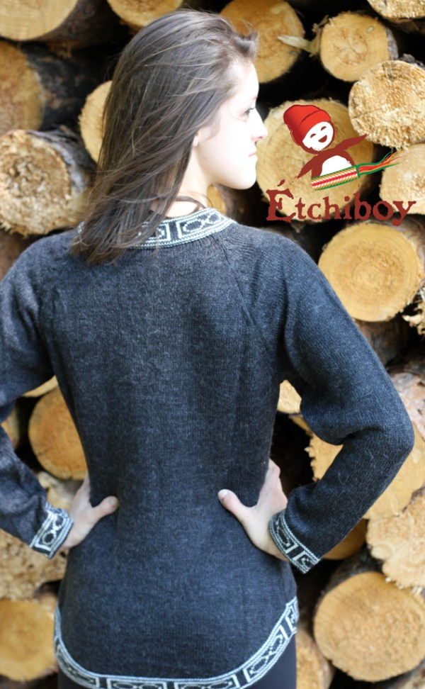 Charcoal Sweater Chandail Charbon 3