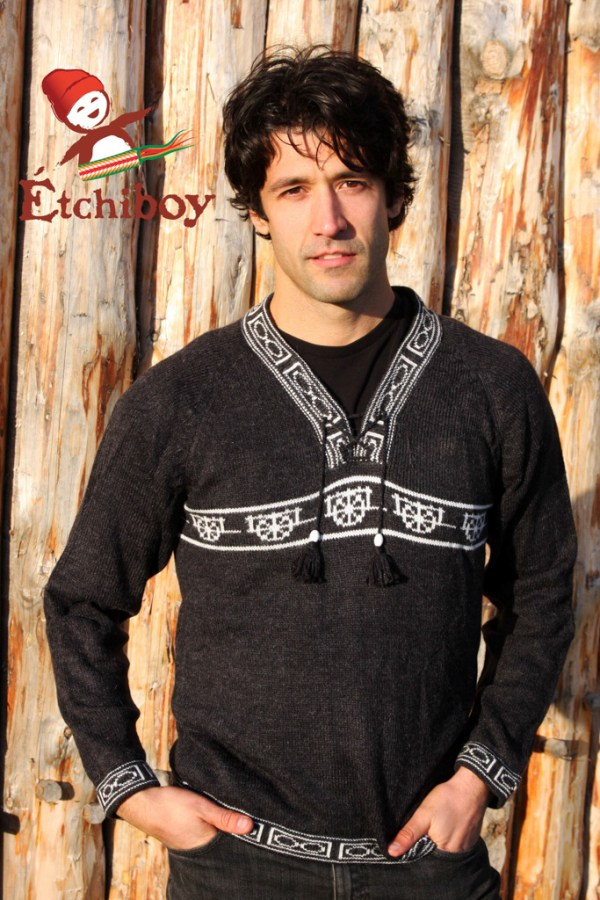 Charcoal Sweater With Red River Cart Chandail Chandail Charbon Avec Charette Unisex 1
