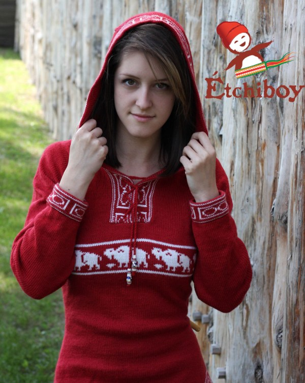 Hooded Red Sweater With Bison Chandail Rouge Avec Capuchon Avec Bisons 1