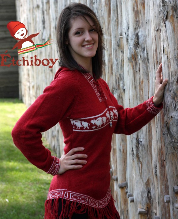 Hooded Red Sweater With Bison Chandail Rouge Avec Capuchon Avec Bisons 2
