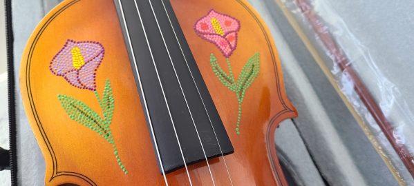 Fiddle With Metis Beadwork Design Violon Avec Dessin de Perlage Metis - Pattern/Modèle -16 2