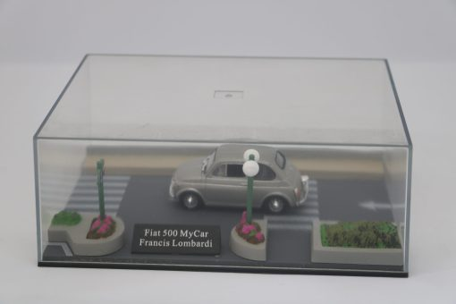 Hachette 143 Fiat 500 MyCar Francis Lombardi DIORAMA 1 scaled
