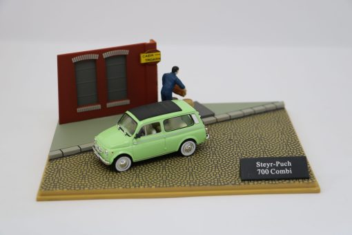Hachette 143 Steyr Punch 700 Combi DIORAMA scaled