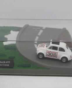 Hachette 143 Fiat Abarth 695 Assetto Corsa DIORAMA 1