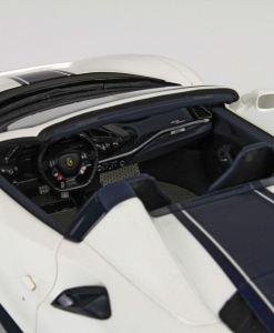 BBR 118 Ferrari 488 Pista Spider interno