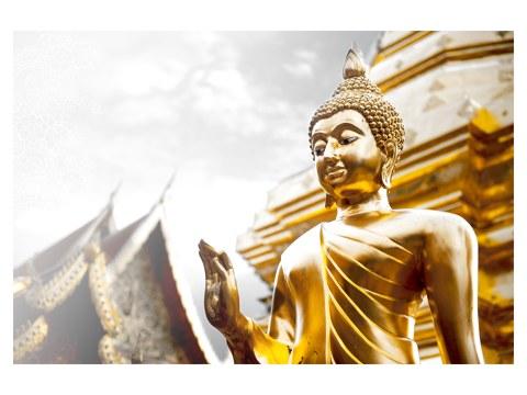 Goldener Buddha mit erhobener Hand  energievolle Buddha