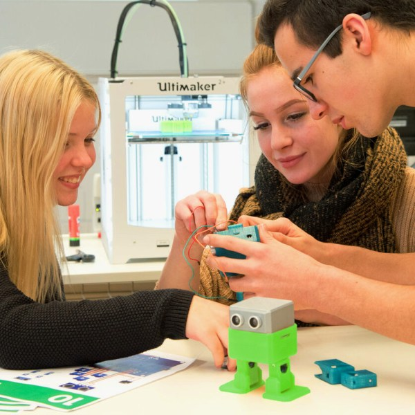 Otto robot in the classroom with 3D printing