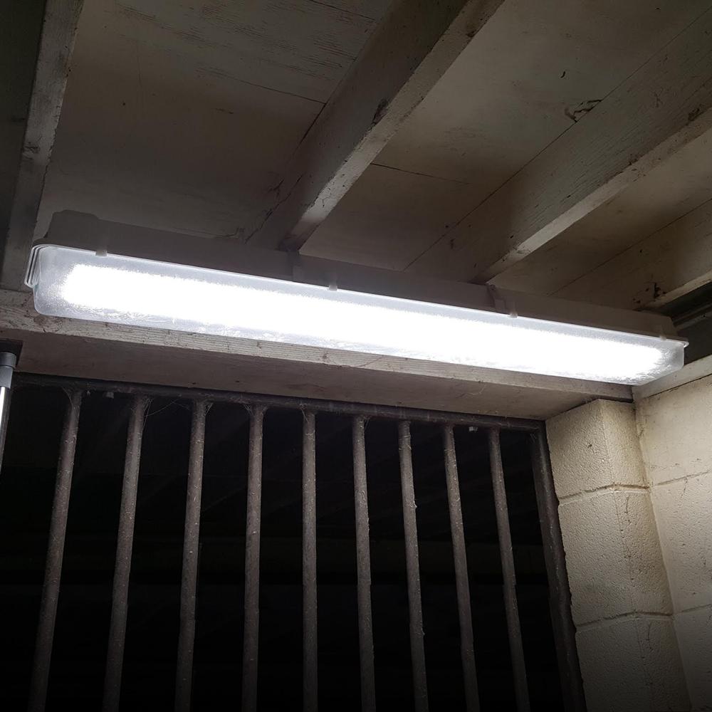 Led Barn Light