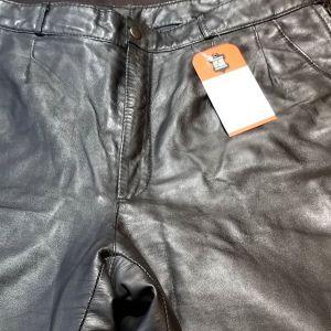 """RAFFAELO Leather Knicker PANTS 19451 ( Size 34"""" )"""