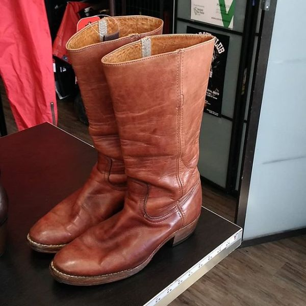 FRYE Leather Pull On BOOTS 20295