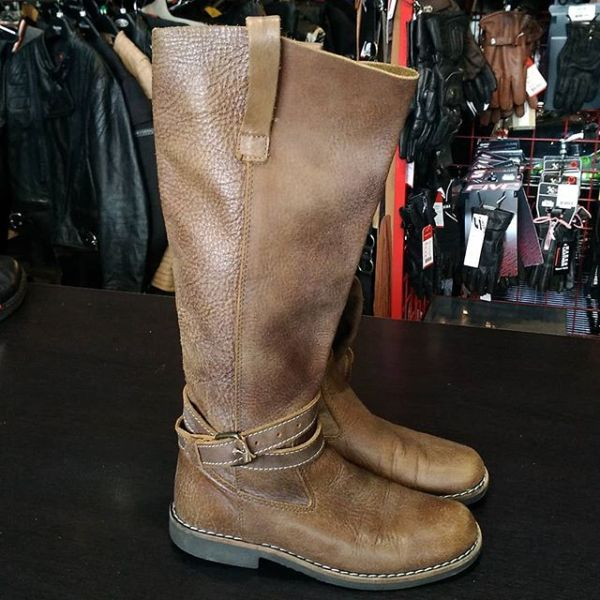 Roots Leather Pull-on BOOTS 21733