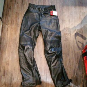 """BMW Leather Riding PANTS 21960 ( Size 30"""" )"""