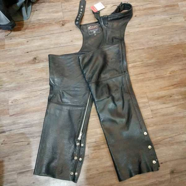 """XPERT Leather Classic CHAPS 23522 ( Size 24"""" )"""