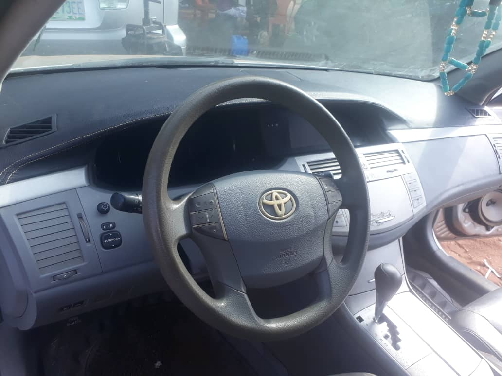 Cheap Toyota Avalon car 2008 for sale in Nigeria