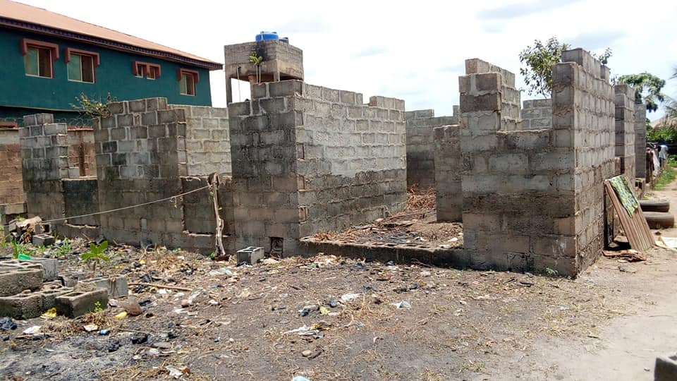 Uncompleted building for sale along Agbara Atan road