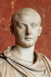 800px-Bust_Gordianus_III_Louvre_Ma1063
