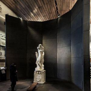 Michelangelo - Rondanini Pietà on exhibit design by BBPR Group