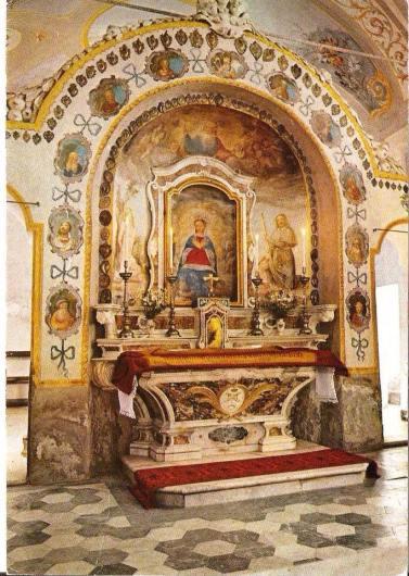 Madonna del Lago_altare