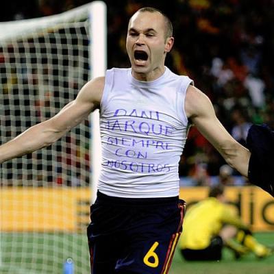 La dedica del match winner Iniesta a Dani Jarque