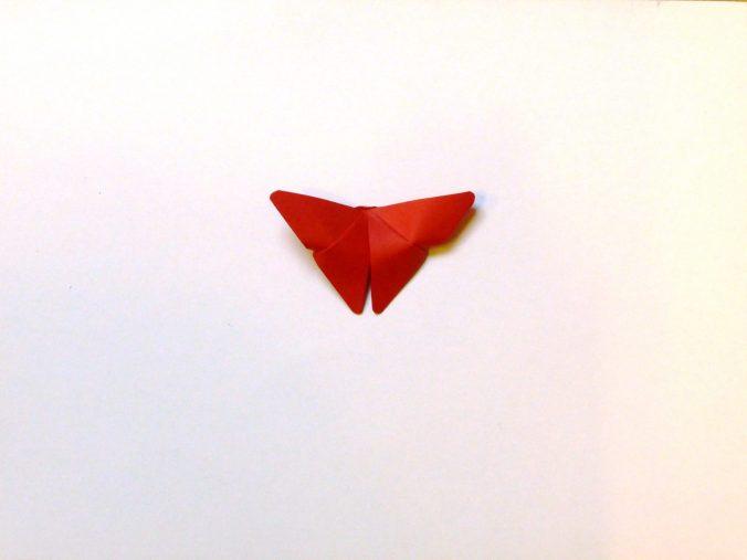 Rode origami vlinder