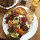 Paludan Bogcafé brunch with breads and smoothie (99 DKK)