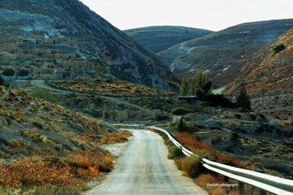 Long and winding road towards Shobak Castle