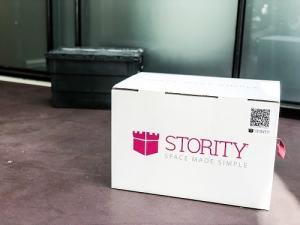 Pappkarton und Plastik Lagerbox