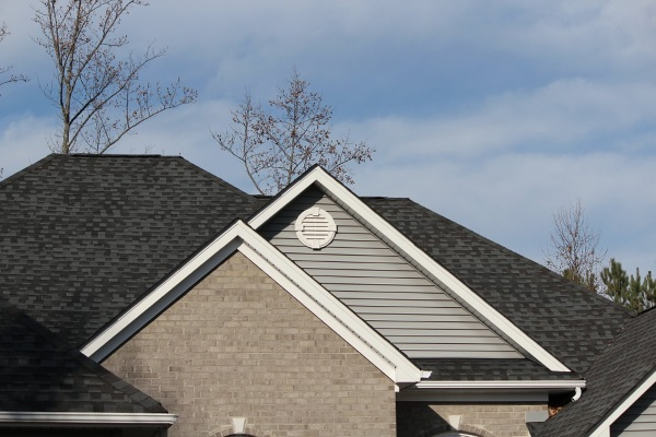 How to Install Roof Shingles Yourself