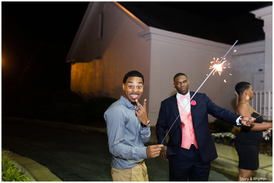 behind-the-scenes-with-a-wedding-photographer-and-dj_0722